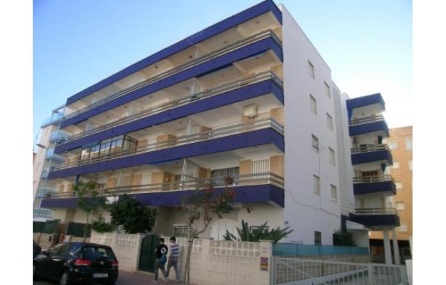 Vendo apartamento en playa de Gandía con vistas al mar, gran terraza, 3 habitaciones