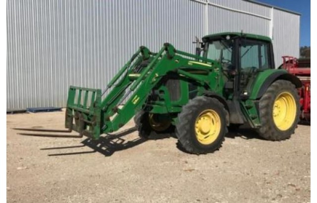 John Deere 6630 Tractor in very good condition, year (May)